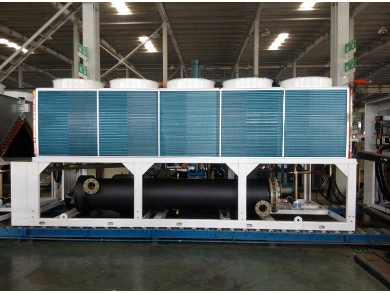 Air cooled chiller screw type 100TR with R134a gas